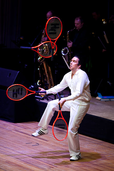 tennis_racket_juggling.jpg